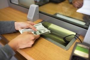 плащане на месечна вноска по кредит